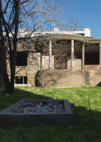 نمایی از خانهی ملکالشعرا بهار در تقاطع خیابان ملکالشعرا بهار و خیابان طالقانی تهران